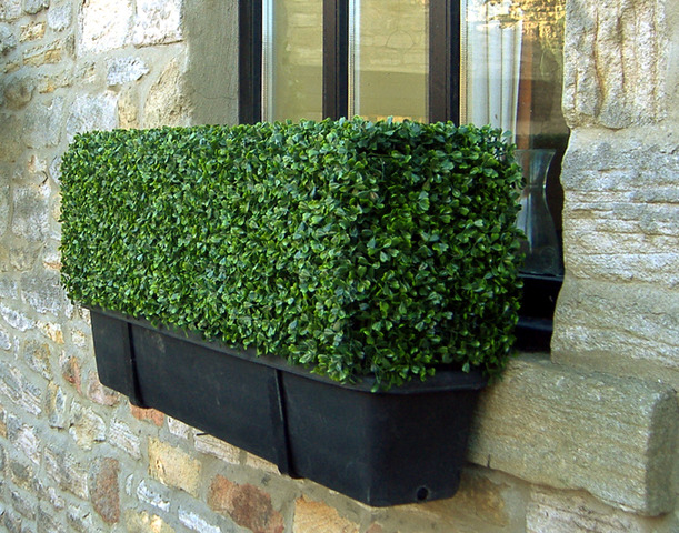 artificial-boxwood-hedges-for-window-decor