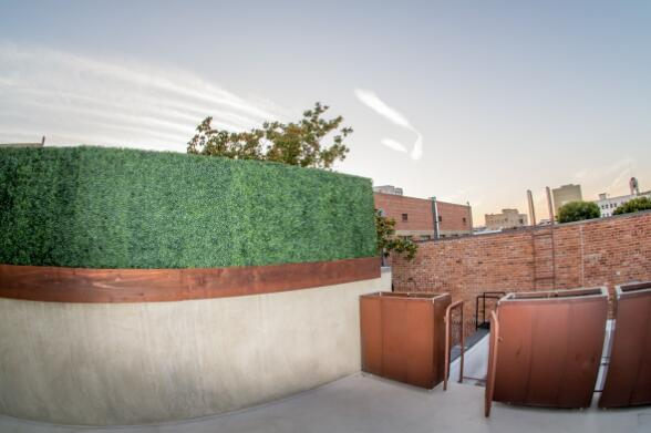 Artificial-Hedges-Build-Rooftop-Deck-Privacy-Screen
