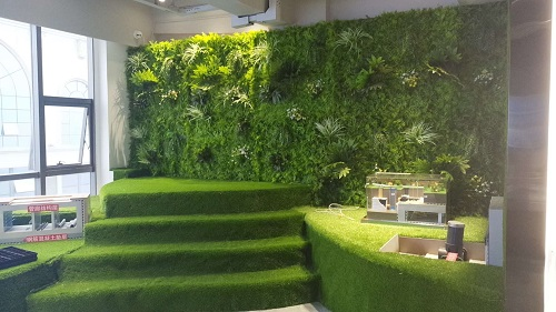 Artificial hedges are perfect match for artificial grass garden